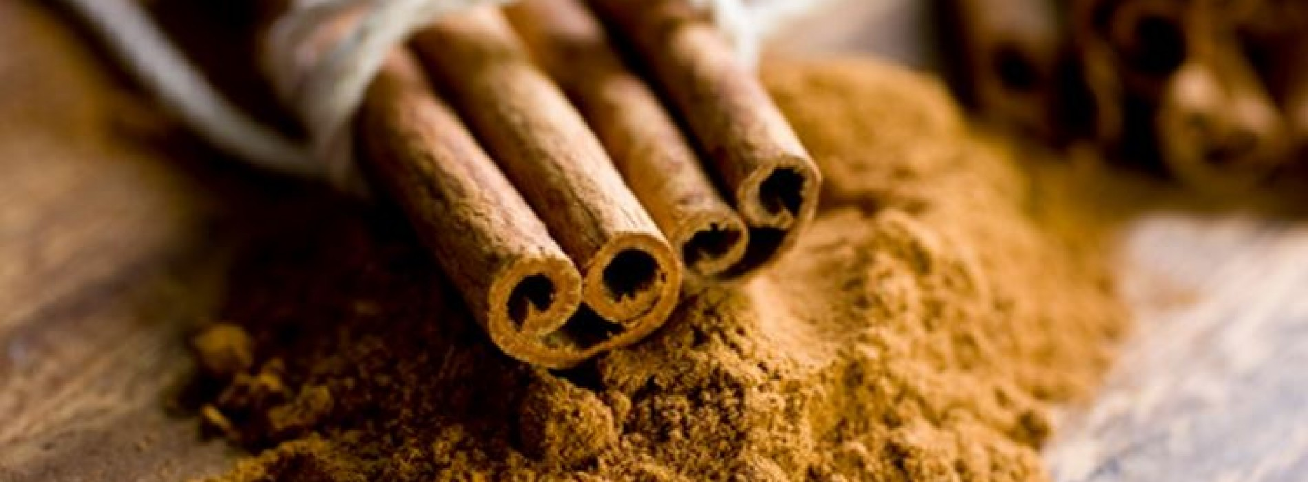 Caring for a healthy and beautiful hair with cinnamon